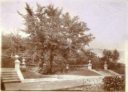 De vorige inrichting van de Minneborre in het Josaphatpark in Schaarbeek (circa 1910)