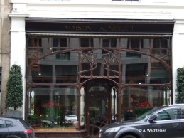 Ancienne « Chemiserie Niguet », rue Royale n° 9-11-13 (Bruxelles-ville), architecte : Paul Hankar | Voormalig « Chemiserie Niguet », Koningstraat nr 9-11-13 (Brussel-stad), architect : Paul Hankar – photo : © A. Wachtelaer