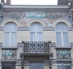 Maison avenue Jean Dubrucq n°25 (Molenbeek-Saint-Jean), céramiques : Guillaume Janssens | Huis Jean Dubrucqlaan nr. 25 (Sint-Jans-Molenbeek), keramische tegels : Guillaume Janssens – photo : © Monuments & Sites – Bruxelles