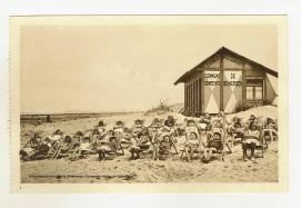 Les élèves de l'école n°15 (A. De Craene) sur la plage de Blankenberge, années 1930, Fonds iconographique, Archives communales de Schaerbeek | De leerlingen van school nr 15 (A. De Craene) op de strand van Blankenberge, jaren 1930, Iconografische verzameling, Gemeentearchieven van Schaarbeek