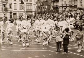 Fêtes enfantines, photo, sd, Collection photographique (inv13_589), Archives communales de Saint-Gilles | Kinderlijke feest, foto, sd, Fotografische verzameling (inv13_589), Gemeentearchieven van Sint-Gillis
